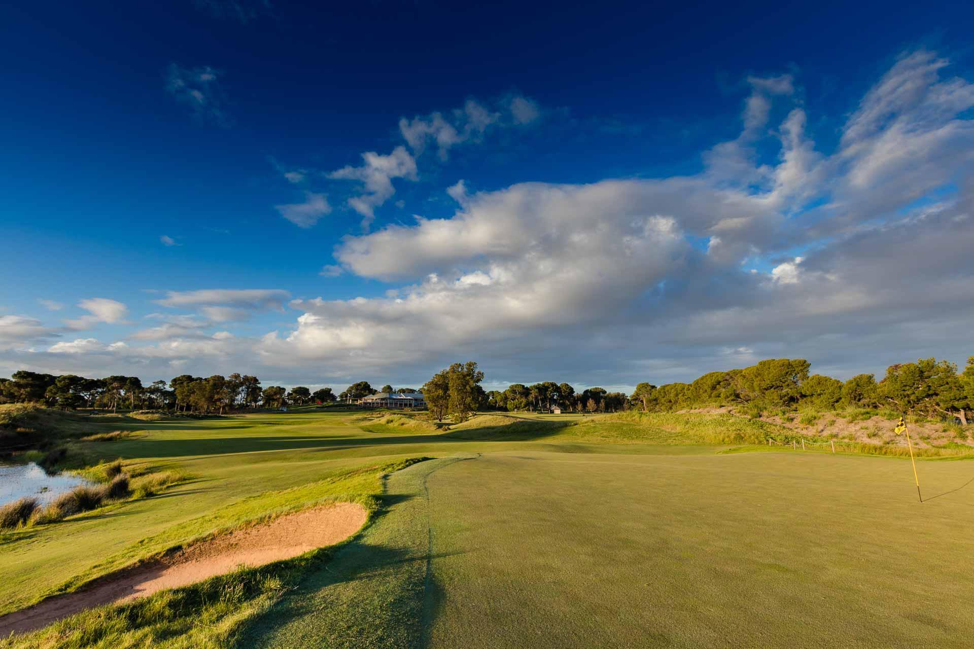 Glenelg Golf Club - Par 4, 1st Hole / Photo: David Brand
